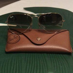 Beautiful Rayban sun glasses!!!